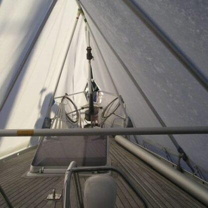 Täckställning för segelbåt