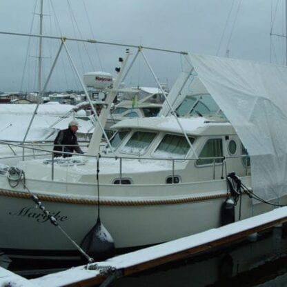 Täckställning för motorbåt